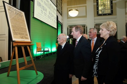 12.11.2014..GPO Dublin..The Minister for Arts, Heritage and the Gaeltacht, Heather Humphreys TD, pictured at the GPO with An Taoiseach, Enda Kenny TD and former Taoiseach Liam Cosgrave at the launch of Ireland 2016; a national initiative which includes a programme of events to mark the 100th anniversary of the Easter Rising.Pic Maxwells Dublin No Fee Pic .